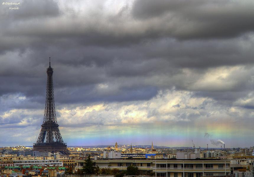 Tęcza horyzontalna w Paryżu [x-post z s/Obrazki]